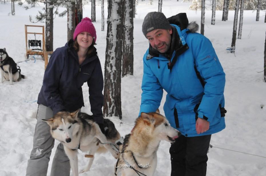 Benoît lors de son sejour en laponie pour ses 50 ans balade en traienaux à chien - voyage en laponie suédoise