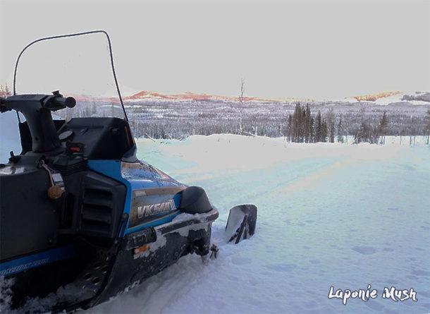 laponie-chien-traineau-sejour-tracage-piste-motoneige-suede-hiver-ouverture