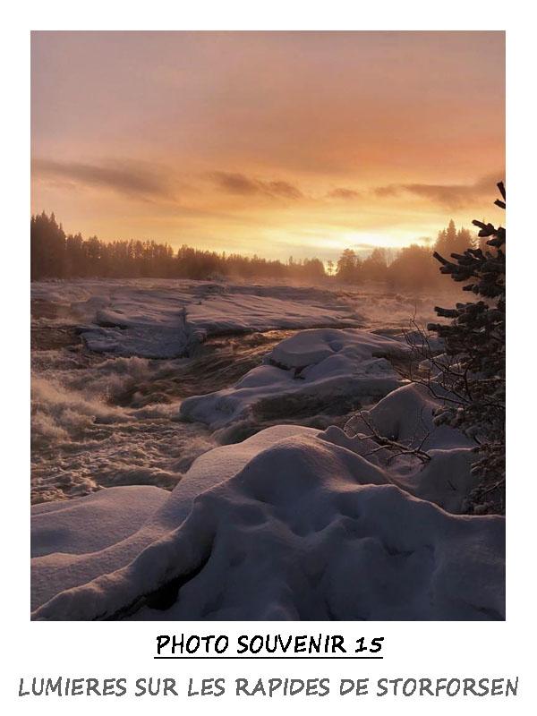 Lumière sur les rapides de Storforsen en Suède